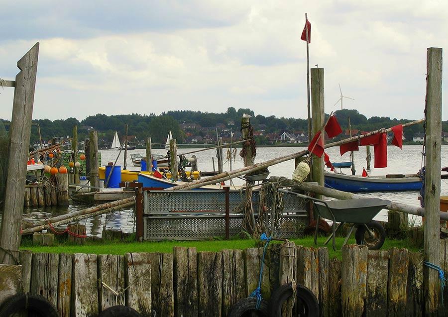 Urlaub in Schleswig - Hafenansicht auf dem Holm - Idylle für Einheimische und Urlauber in Schleswig