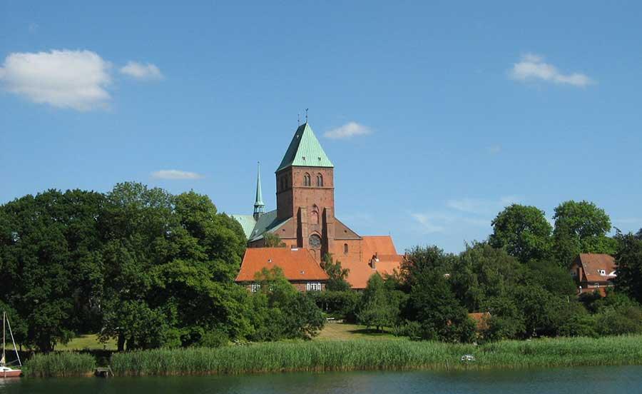 Ratzeburger Dom Urlaub im Naturpark Lauenburgische Seen