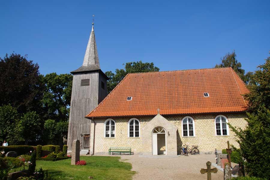 Südansicht Kirche von Arnis