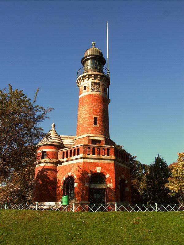 Leuchtturm an der Einfahrt zum Nord-Ostsee-Kanal bei Holtenau